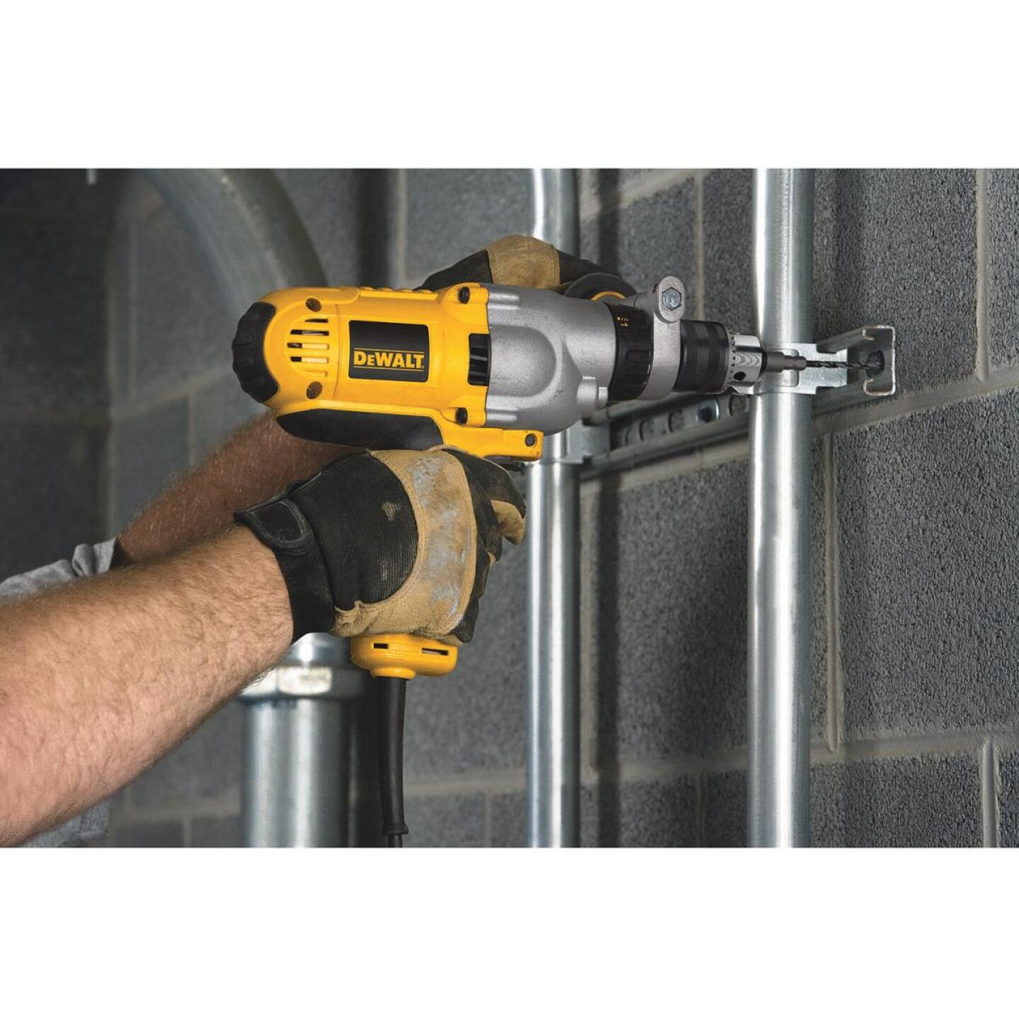 DeWalt 1/2 In. Keyed 10.0-Amp VSR Mid-Handle Grip Electric Hammer Drill Image 3